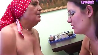 Old and young Lesbians - Petri, Naomi