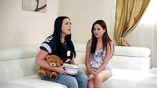 Gorgeous lesbo teen Shyla Jennings licked by MILF Angela White