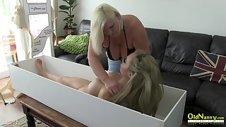 Extremely bosomy full-grown daughter gruelling lesbian sex with to a great extent built live like sex tolerant