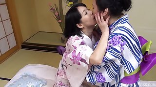 Chubby Japanese mature enjoys getting licked by her hammer friend