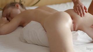 Dame bird body body massage