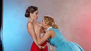 Classic lesbian play with two amazing women