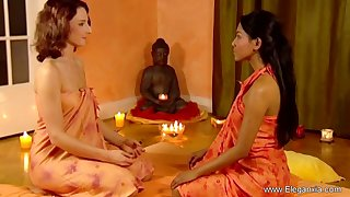 Sensual and artistic female massage video from the great Eleganxia.